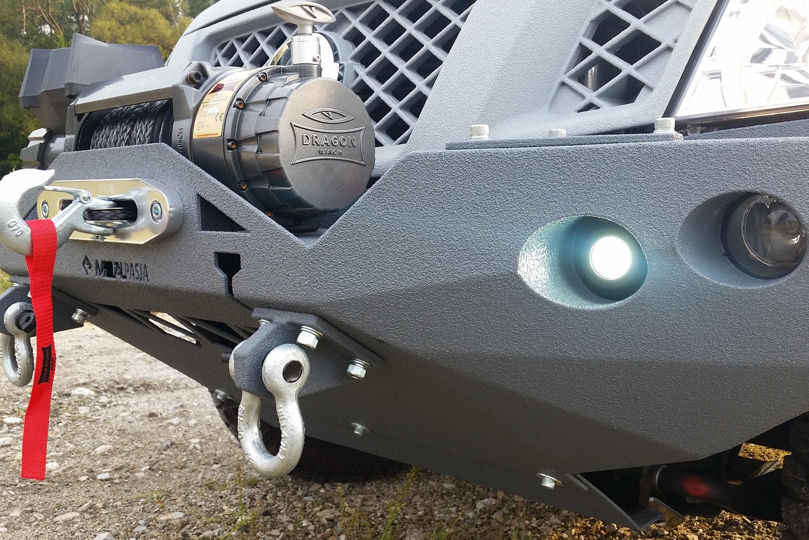 Zderzak przedni off road Graphite Warrior do Nissan Navara D40