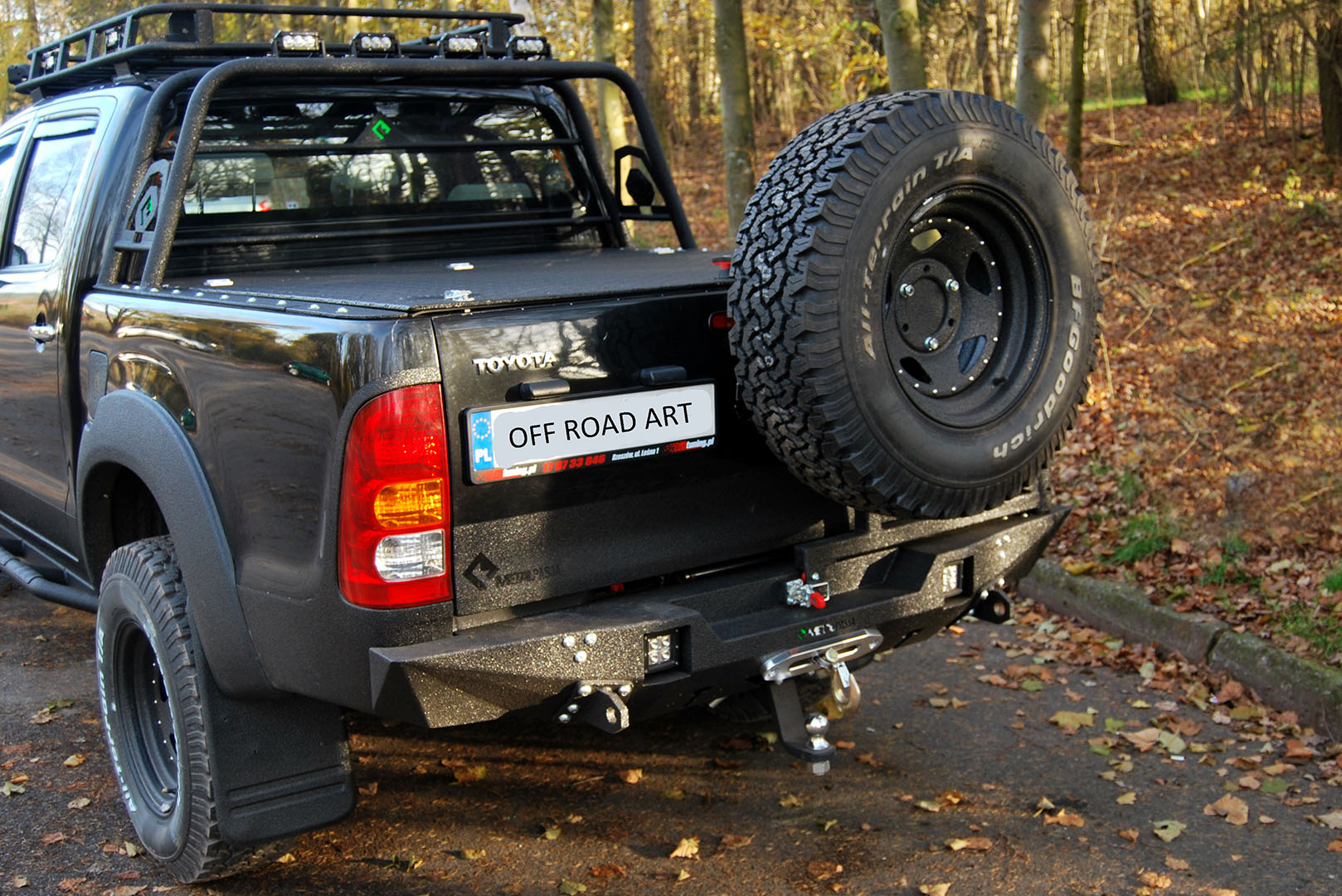 "Tylny zderzak Off Road ""Hurricane"" Toyota Hilux"