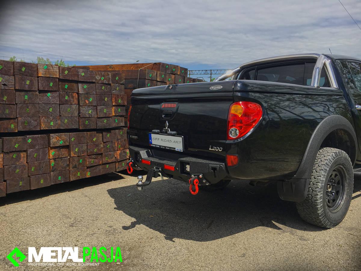 Zderzak tylny off road Mitsubishi L200